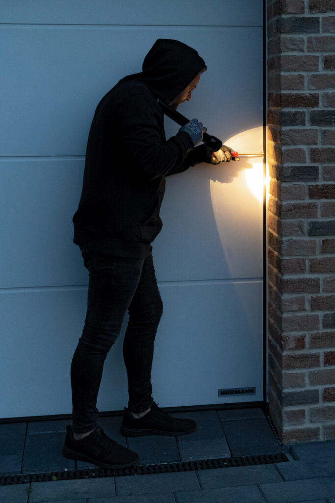 Drzwi zewnętrzne odporne na włamanie?